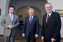 Prezident Miloš Zeman s předsedy obou komor Parlamentu.