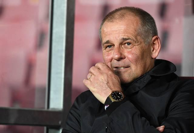 Petr Rada na lavičce Sparty.