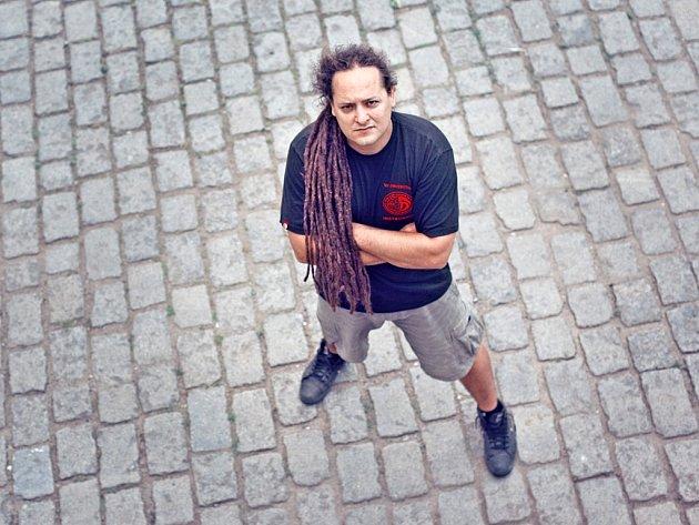 Instruktor bojového umění Krav Maga Michal Otipka mluví hlavně o sebeobraně.