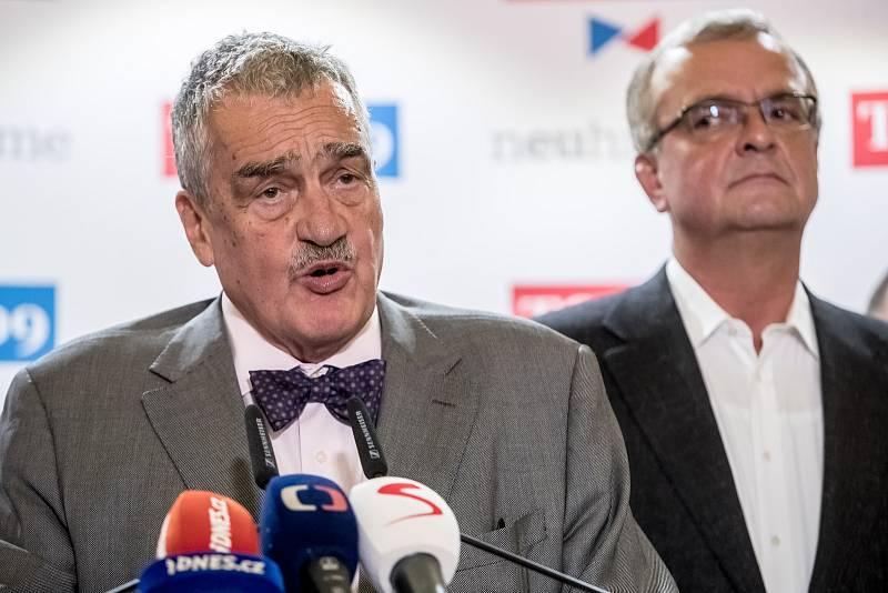 Top 09 zahájila 4. září v Praze svoji kampaň do podzimních parlamentních voleb. Na snímku Miroslav Kalousek a Karel Schwarzenberg
