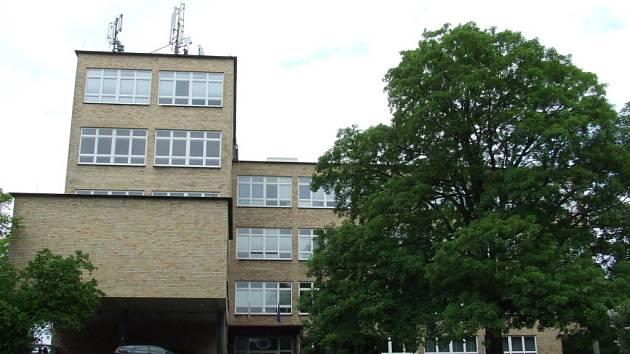Střední průmyslová škola zeměměřická v ulici Pod Táborem na Praze 9