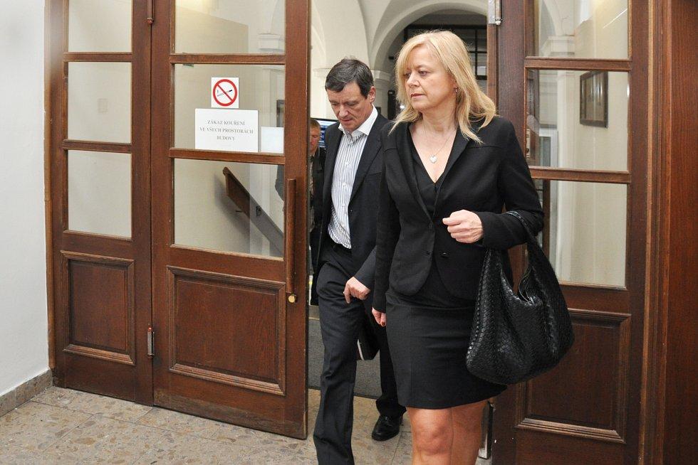 David Rath se svou obhájkyní Marcelou Ondřejovou u Krajského soudu v Praze.