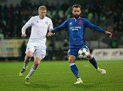 Slávisté (v modrém) neměli v Karviné problém. - foto: Ivo Dudek