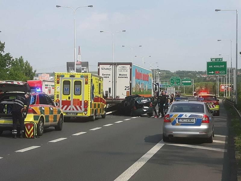 Smrtelná dopravní nehoda u Černého Mostu.