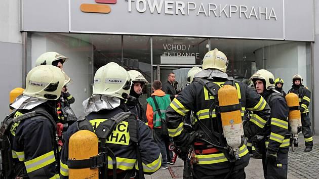 Cvičení evakuace při požáru v Žižkovské věži.