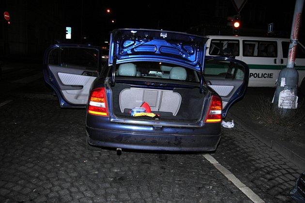 Auto, ve kterém lupiče dopadli.