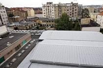KRITIZOVANÝ PLÁN. Novostavba má zaplnit prostor mezi ulicemi Dělnická, Na Maninách, Tusarova a Komunardů. To se zdejším obyvatelům nelíbí.