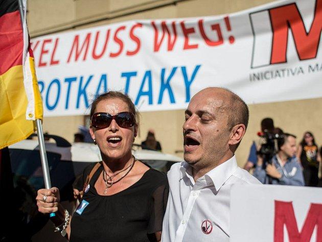 Shromáždění odpůrců Merkelové.