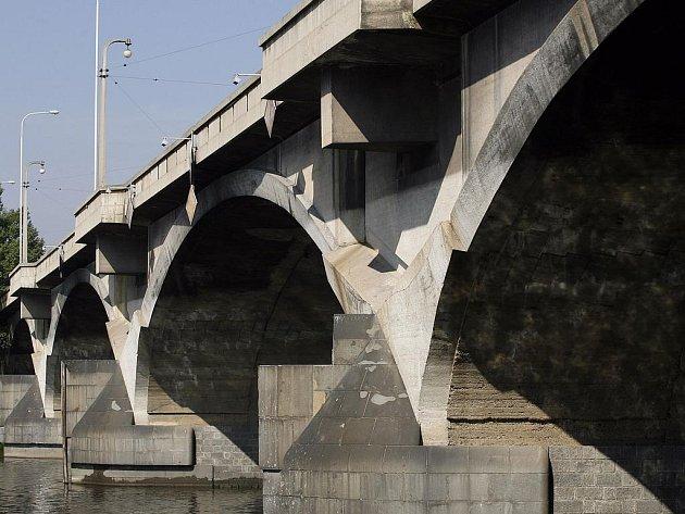 Libeňský most v Praze.