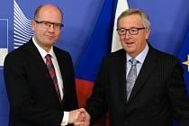 Bohuslav Sobotka a Jean-Claude Juncker.