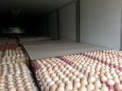 Kamión převážel vejce z Polska.
