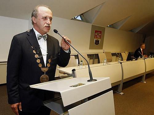 Jiří Paluska (ODS) byl 8. listopadu 2010 na ustavujícím zasedání zastupitelstva městské části Praha 2 zvolen novým starostou.