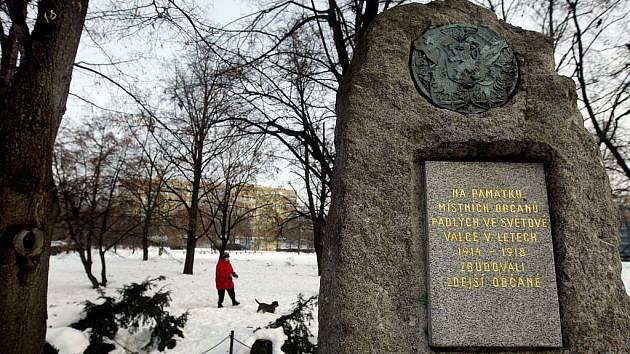 Památník na Litochlebském náměstí v Praze