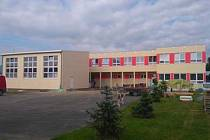 Kontejnerová budova ZŠ Sulice.