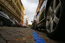 UŽ I V DEJVICÍCH. Praha 6 chce zavést parkovací zóny, systém by se měl od ostatních městských částí lišit./Ilustrační foto