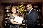 Předání ocenění Zlatě Houškové, Ženě regionu 2012 pro Prahu