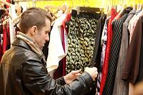 K darovaným věcem může patřit i vyprané a nepoškozené oblečení.