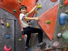 Pražský opičák – závody v boulderingu v dětské kategorii