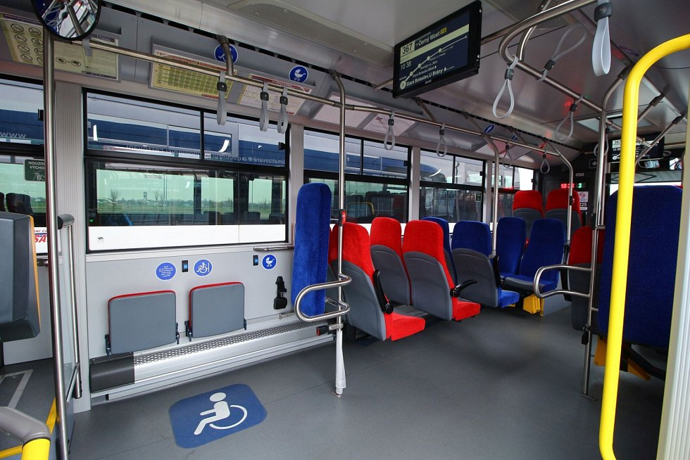 ČSAD Střední Čechy má první autobusy podle nových pravidel Ropidu.