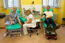 Zaměstnanci Úřadu MČ Praha 2 v čele se starostkou Janou Černochovou darovali krev ve VFN.