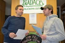 Ředitel obecně prospěšné společnosti Asistence Erik Čipera (vlevo) a Jan Mazoch z Nadace Jedličkova ústavu