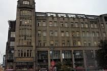 Interiér Paláce Koruna v Praze se od dob konce stejnojmenného automatu změnil k nepoznání. Návrat někdejší jeho podoby se ale prý rozhodně konat nebude.