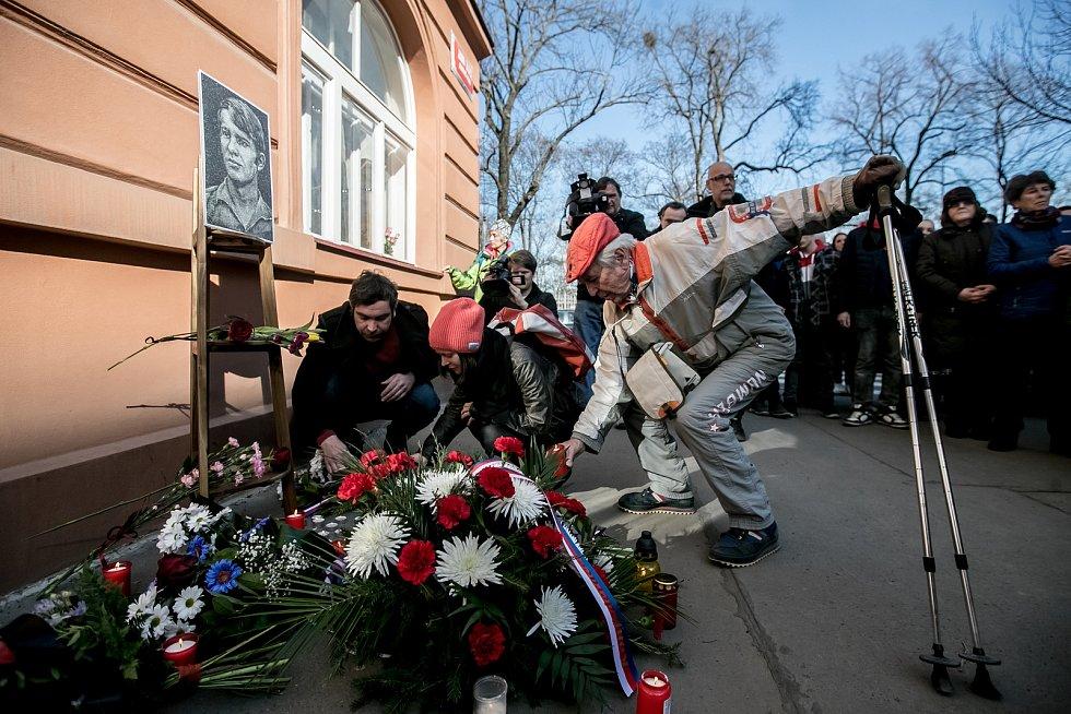 Pietní shromáždění k uctění 50. výročí sebeupálení Jana Zajíce proběhla 25. února v Praze, v ulici Jana Zajíce na Praze 7.