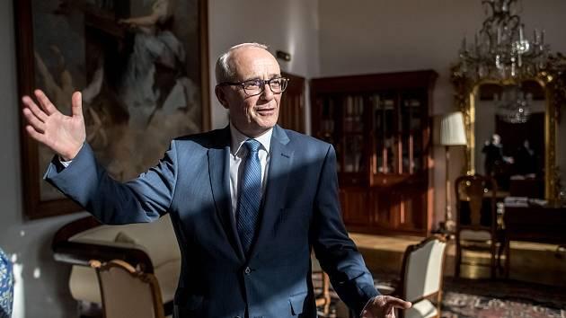 Ředitel Národní divadla Jan Burian poskytl 11. února v Praze rozhovor Deníku.