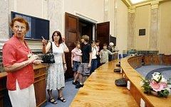 Den otevřených dveří ve Strakově akademii se nesetkal s velkým zájmem ze strany návštěvníků.