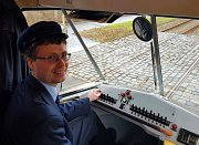 Historická tramvaj Tatra T1 vyjela v Praze na lince číslo 2 do běžného provozu.
