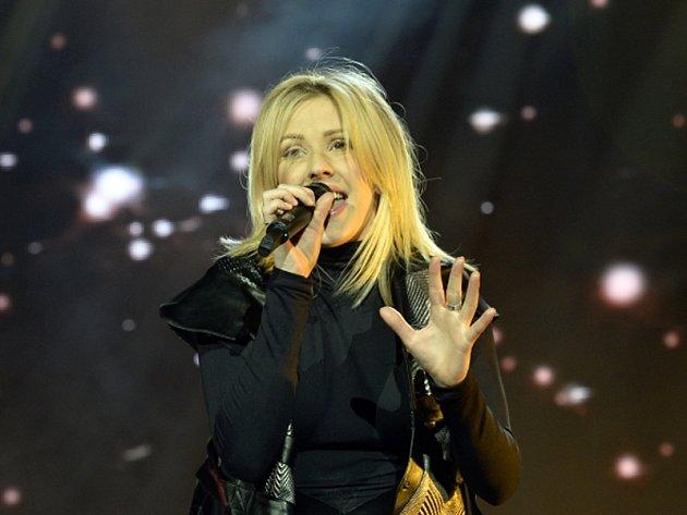 Anglická zpěvačka a textařka Ellie Gouldingová vystoupila v sobotu 30. ledna 2016 v pražské O2 areně.