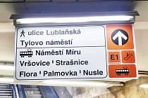 Dopravní podnik hl. m. Prahy ve spolupráci s Ropidem testuje ve stanicích metra nový navigační systém.