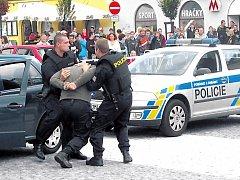 Co bylo vloni, nebude letos. Policie si věří, radní z první městské části taky a návštěva dánských studentů, proslulých svým výtržnictvím, by prý už měla být v klidu. Ilustrační foto.