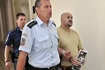 Z vraždy družky se před Městským soudem v Praze zpovídal Igor Holub.