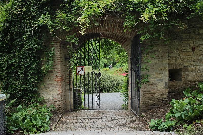 Park je tvořen několika zahradami.