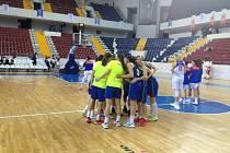 Basketbalistky ZVVZ USK Praha vyhrály proti Mersinu