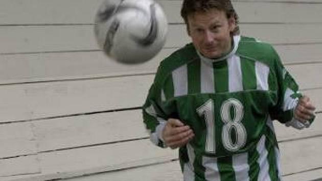 KANONÝR. Jan Fíček se stal nejlepším střelcem pražských fotbalových soutěží, má na svém kontě jednatřicet branek.