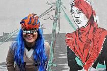 Kreslířka Toy_Box vyzdobila zdi na Florenci komiksovými příběhy.
