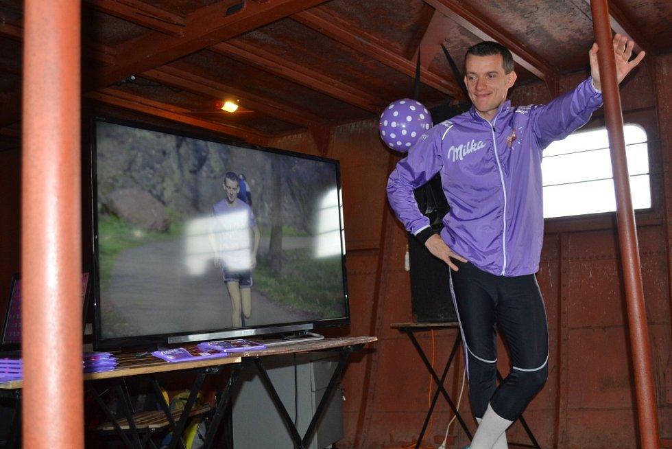 Z pražského zahájení běžeckého projektu Jiřího Gruntoráda 'Jiří běží - poslední kousek'.