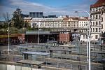 Novináři si mohli prohlédnout zrekonstruovaný Negrelliho viadukt v centru Prahy 29. května 2020. Na snímku autobusové nádraží Florenc.