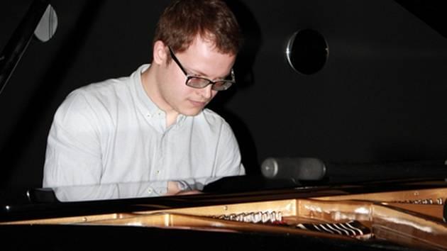 Vítěz soutěže Pianista roku 2014 Michal Šupák.