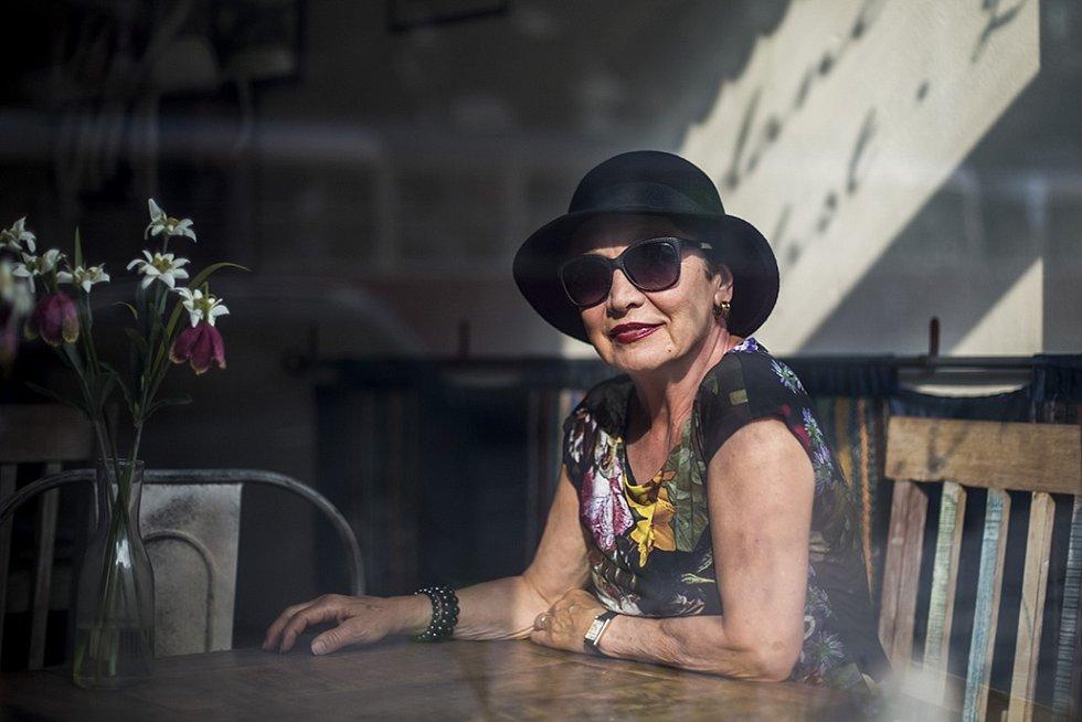 Herečka Hana Maciuchová při fotografování pro Deník.