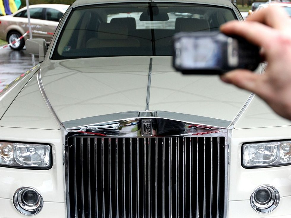 ROLLS ROYCE. Nikterak levná chlouba britského automobilového průmyslu./Ilustrační foto