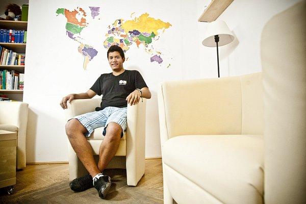 LÁSKU jsem tu už našel. Teď chci studovat a vbudoucnu se třeba iusadím, plánuje Javier Gutierrez.