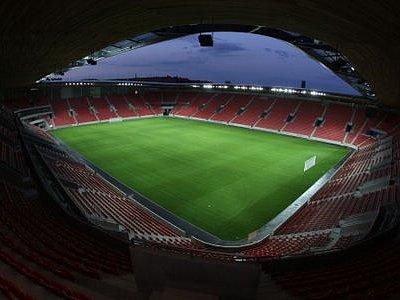 ČTVRTEK SE BLÍŽÍ. A nejenže zápas pravděpodobně neuvidí fanoušci u televizí, ale možná se to stane i těm na stadionu.