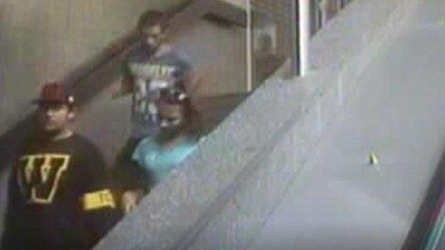 Útok v metru a krádež mobilu