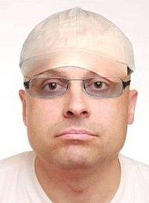 Vpátrání pražské policie stále zůstává 43letý Lukáš Borovan, kterého detektivové hledají vsouvislosti spáteční vraždou vZáběhlicích.