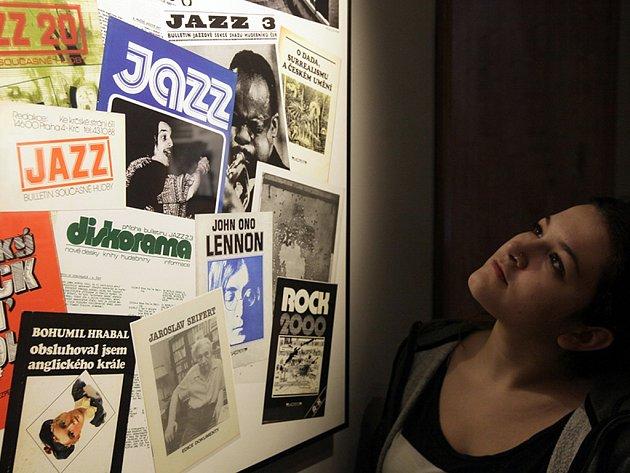 V 70. a 80. letech minulého století fungovalo v Československu několik významných svobodomyslných nezávislých proudů (např. Charta 77). Důležité místo v širokém spektru kultury zaujímala i Jazzová sekce. Výstava potrvá v Café Kampus do 8.března.