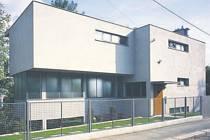 Vila prošla v nedávné době rekonstrukcí podle návrhu architekta Ladislava Lábuse.