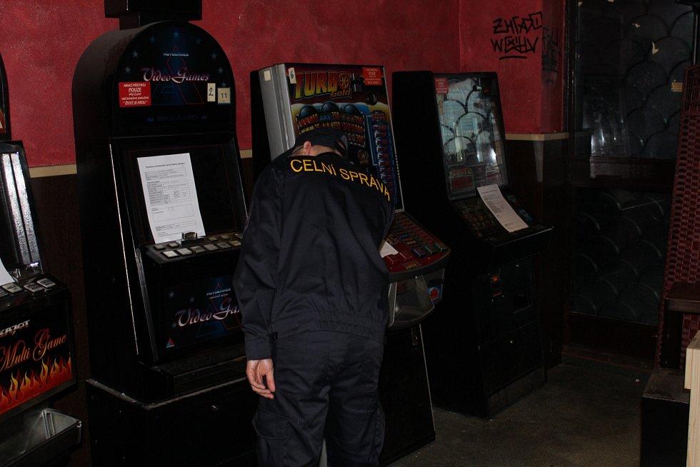 Pražští celníci zlikvidovali hernu.